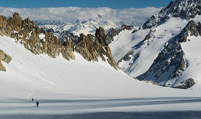 Fransson, Salén and the author skinning across Le Tour glacier. [Photo] Daniel Rönnbäck