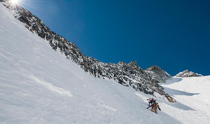 Climbing Qui Remue. Argentière Basin. [Photo] Daniel Rönnbäck