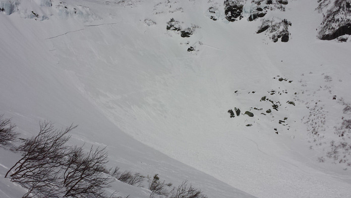 The second avalanche of the day, which deposited three to four feet of debris across 400 feet of the Tuckerman Ravine floor. [Photo] Courtesy Mt. Washington Avalanche Center