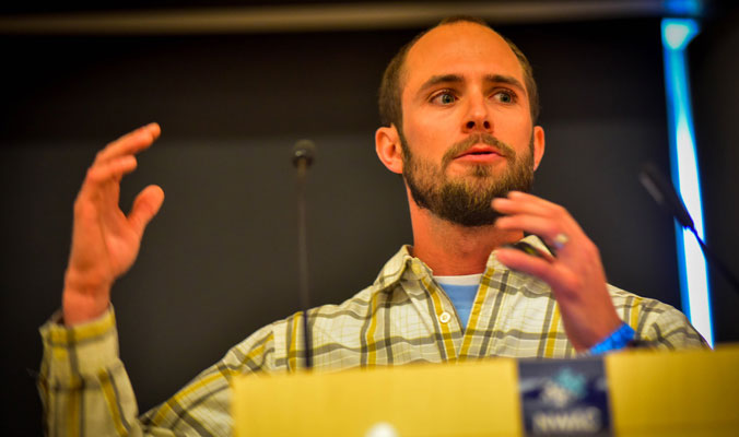 Dallas Glass, of the American Avalanche Institute, dishes on the pro/rec avy-education split. [Photo] Rick Meade, NWAC