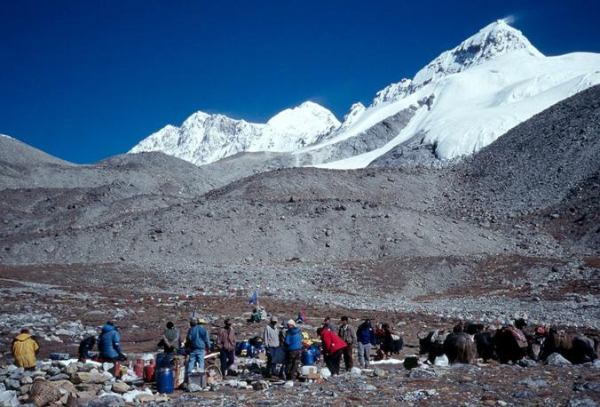 Shishapangma base camp. [Photo] Andrew McLean