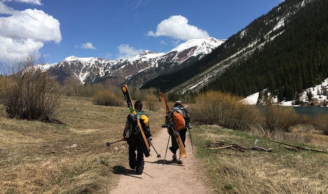 Nicky and Horton hiking their way out for the last couple of miles. [Photo] Laura Hadar