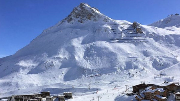 Four snowboarders die in Tignes, France avalanche