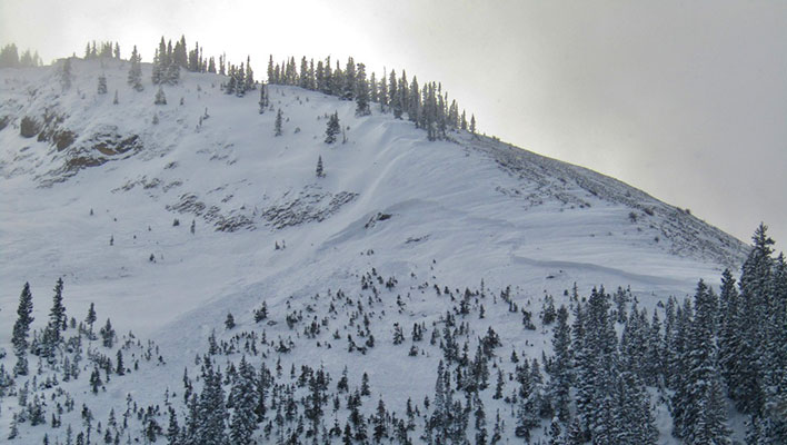 "Four fatalities recorded in single weekend, amid ""especially dangerous"" avalanche conditions"